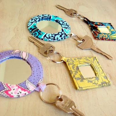 Come creare portachiavi con specchi arte del ricamo - Piccoli specchi rotondi ...