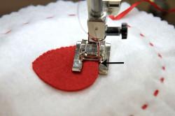 applicare decorazione con macchina da cucire