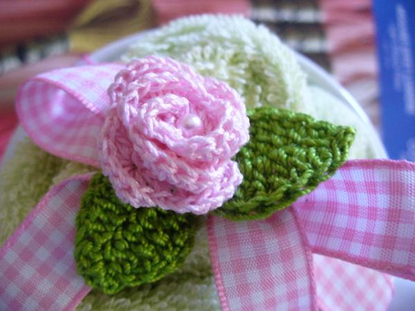 foglioline con rose uncinetto_01