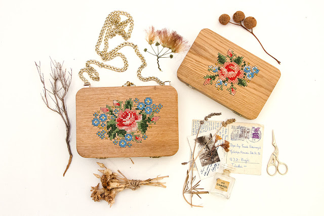 oak_wood_purse_and_clutch