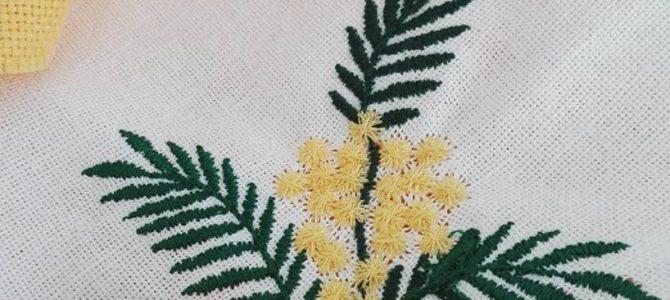 Punto Croce – Ricamare le Mimose